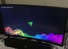 厲害!!MSI曲面螢幕擋住穿牆而入的子彈