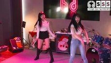 韓妹雙人舞
