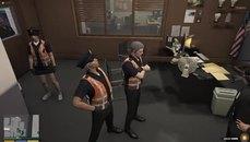Xargon終於脫下背心成為警員啦!