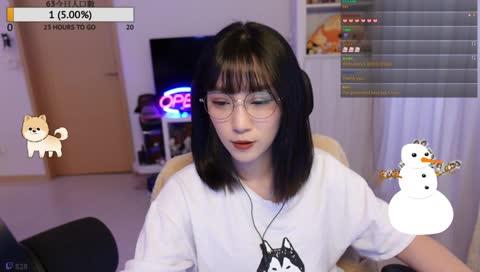 劉萱 O YA~ 素材+1