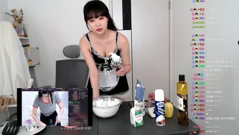 女僕裝做甜點