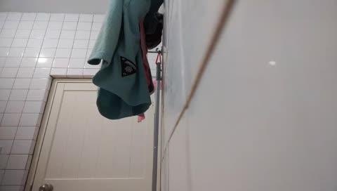 超越泳池台?直播洗澡?!