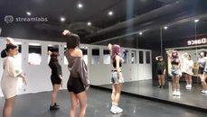 妮婭 練舞室開練香噴噴