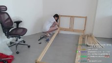 怎麼最近女實況主都相繼在開 組家具台??? ...