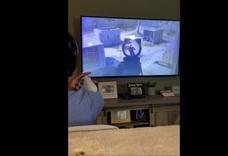 「我失去了右臂但正重新開始學習用手把玩電子遊戲。」