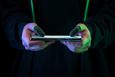 Razer推出電競遊戲指套 讓手指快速摩擦螢幕