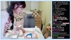 企鵝妹慶祝7萬追隨自製企鵝蛋糕 結果一不小心...