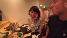 Jake偷吃日本妹子的壽司 太過分了 欺負女生